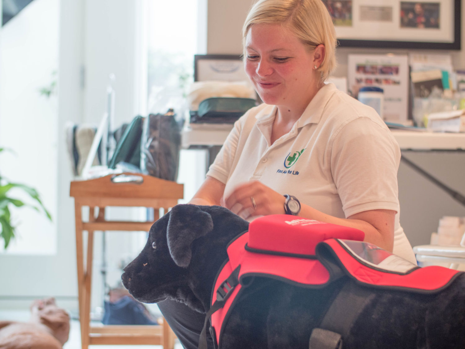 First Aid for Pets Yvonne teaching